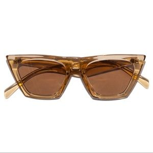 Accessories - Retro 60s Honey Blonde Catfarer Sunglasses
